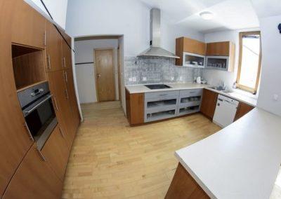 Hostel-Eleven-Kitchen